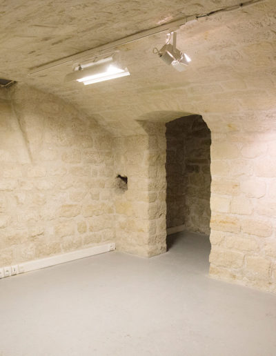 Espace Commines – Basement, exhibition space or reserve – Photo: Alice Lemarin